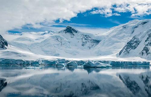 地球上罕见的火星矿物,被锁定在南极冰层中