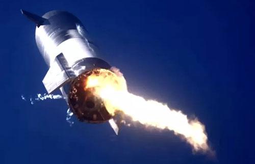 第二次SpaceX星际飞船在着陆测试中爆炸
