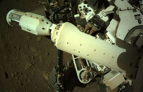 NASA的恒心漫游者在火星上部署了风传感器
