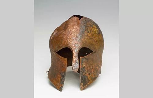 在以色列发现的希腊-波斯战争中古代头盔