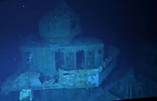 探险者潜入已知最深的沉船