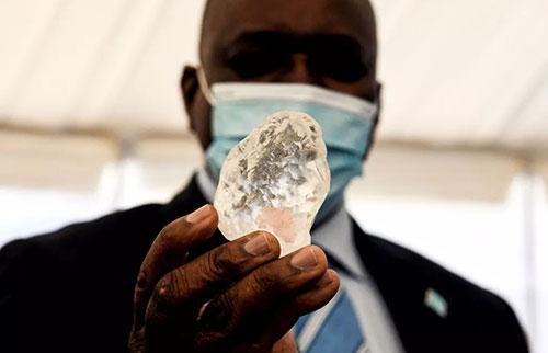 矿工称,非洲发现地球上第三大钻石