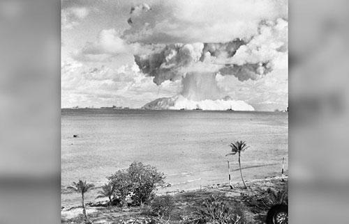 为什么核弹会形成蘑菇云?