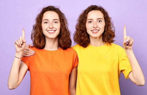 同卵双胞胎指纹一样吗?