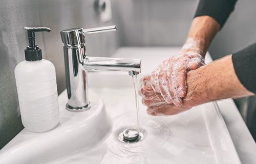 根据物理学,这就是为什么你需要洗手 20 秒